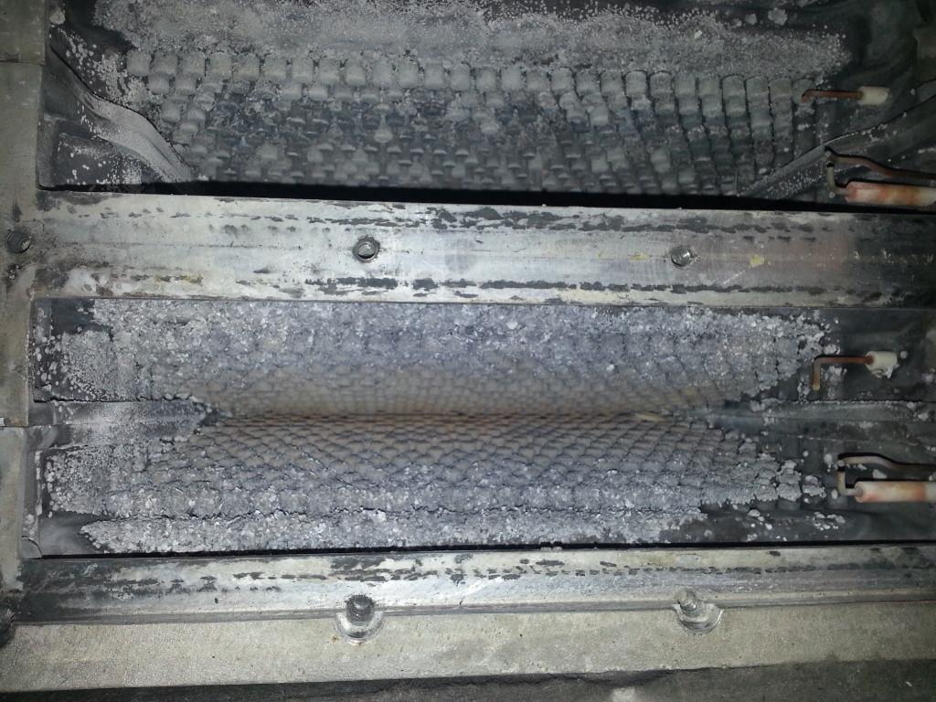 caldaia condensazione - camera combustione incrostata
